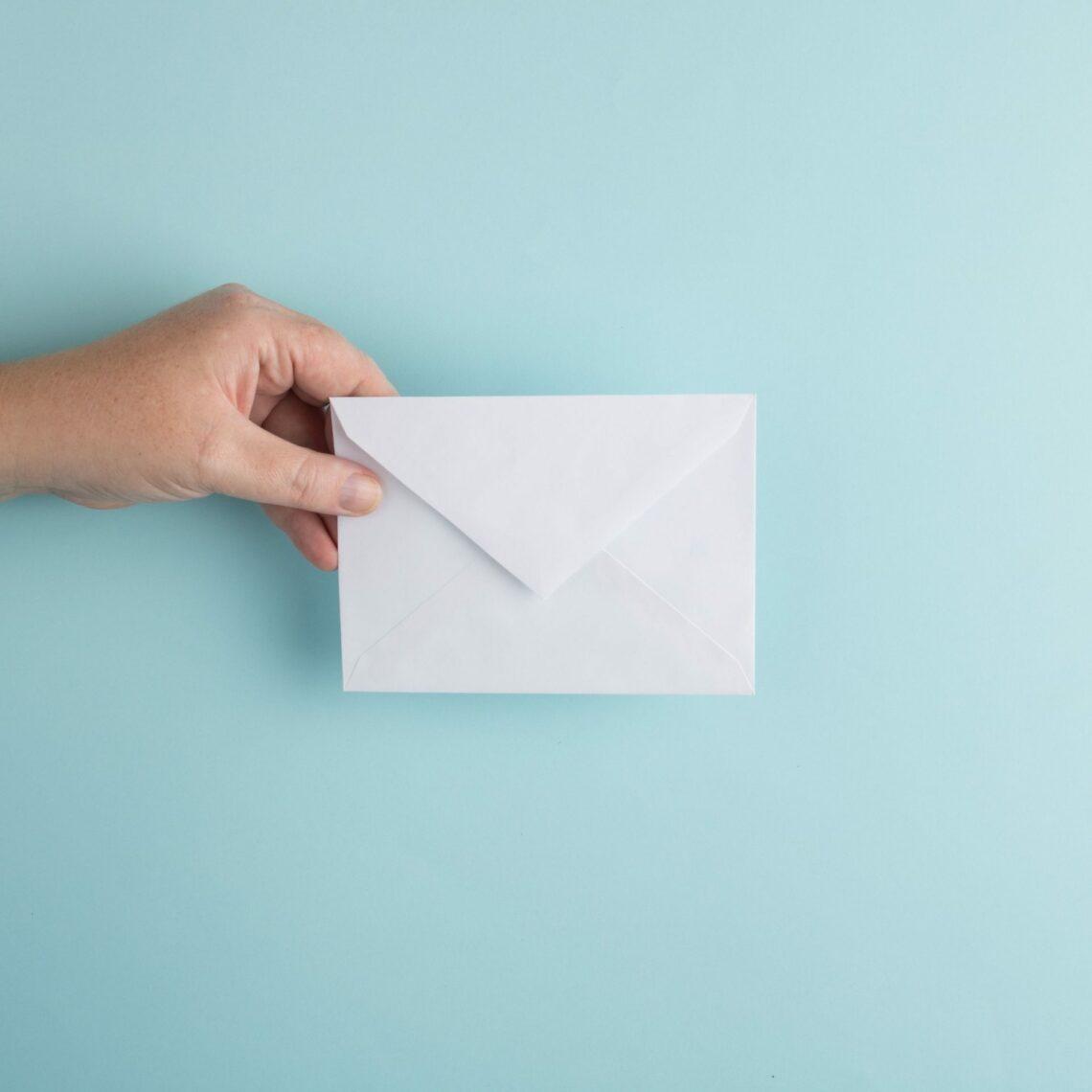 Best Mail Holders for Desks