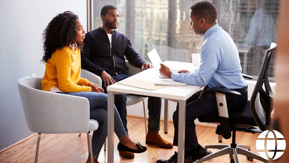 Where Do Financial Advisors Work