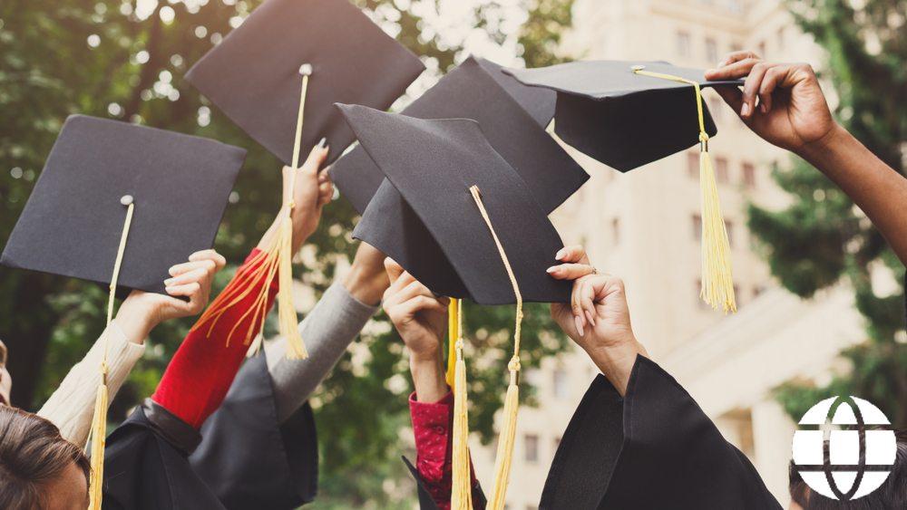 Financial advisor qualifications